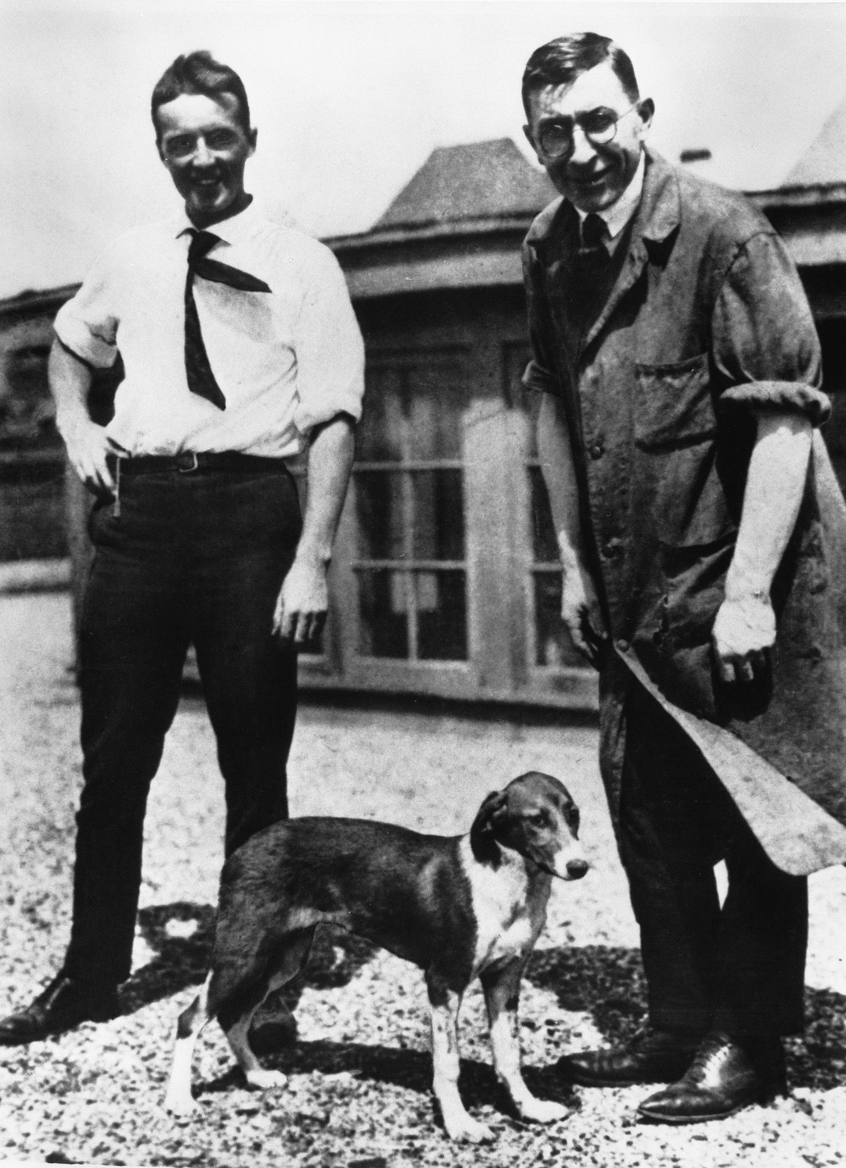 Frederick Banting and Charles Best on the roof of the University of Toronto's Medical Building in 1922. Dogs were used as experimental subjects in the insuli. From the F. G. Banting Papers. Courtesy Thomas Fisher Rare Book Library, University of Toronto.