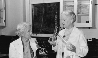 Elizabeth Hazen (left) and Rachel Brown, 1955. Smithsonian Institution Archives, image # SIA2008-3566