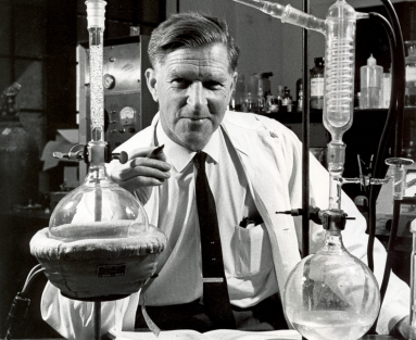 Arie Haagen-Smit with lab equipment, 1961