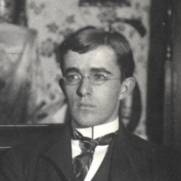 Irving Langmuir At Home Enjoying Harpers Magazine Science History Institute