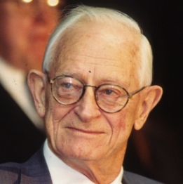 Alan MacDiarmid in 2000 at the Science History Institute.