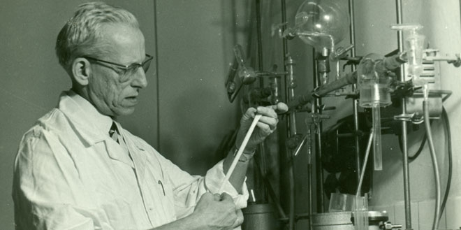 Wichterle in the lab. While the Czechoslovak Academy of Sciences supported Wichterle's research into hydrogels, its Communist-mandated policies would not allow him to explore its applications.
