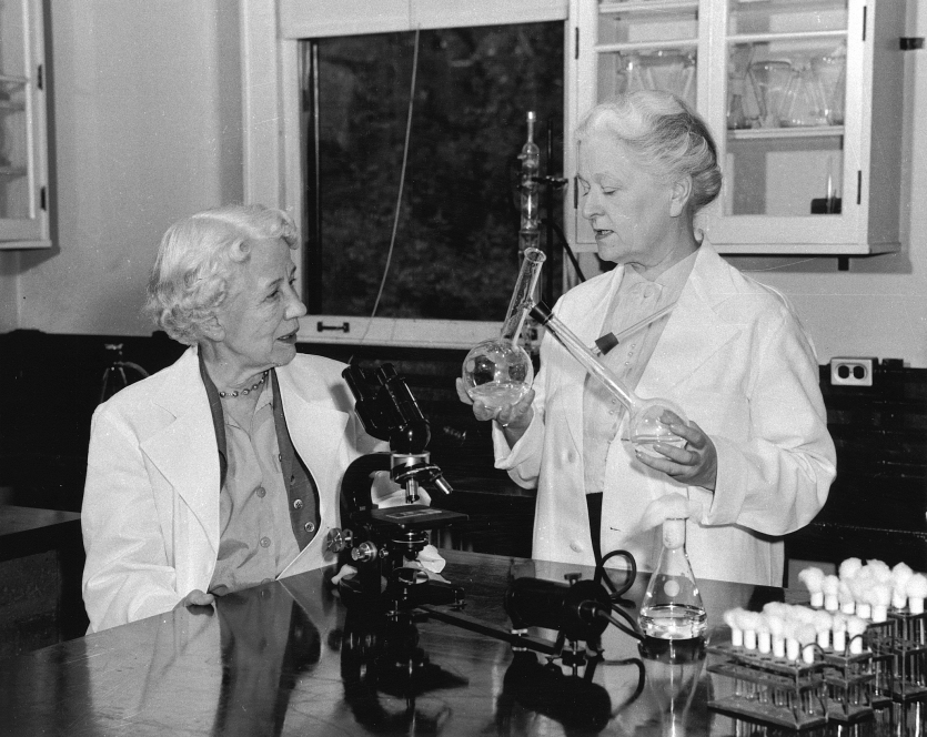 Elizabeth Hazen (left) and Rachel Brown, 1955. Smithsonian Institution Archives, image # SIA2008-3566.