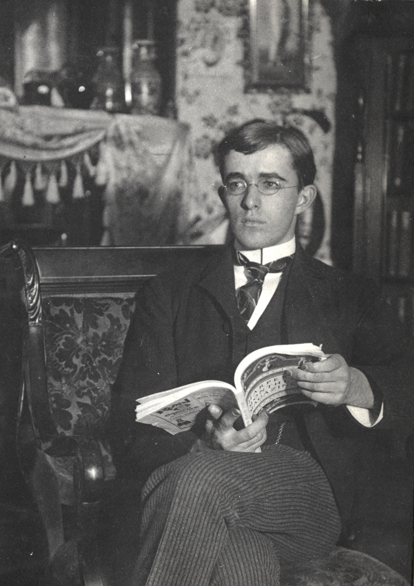 Irving Langmuir at home enjoying Harper's Magazine. Irving Langmuir Scrapbook, the Institute Collections.