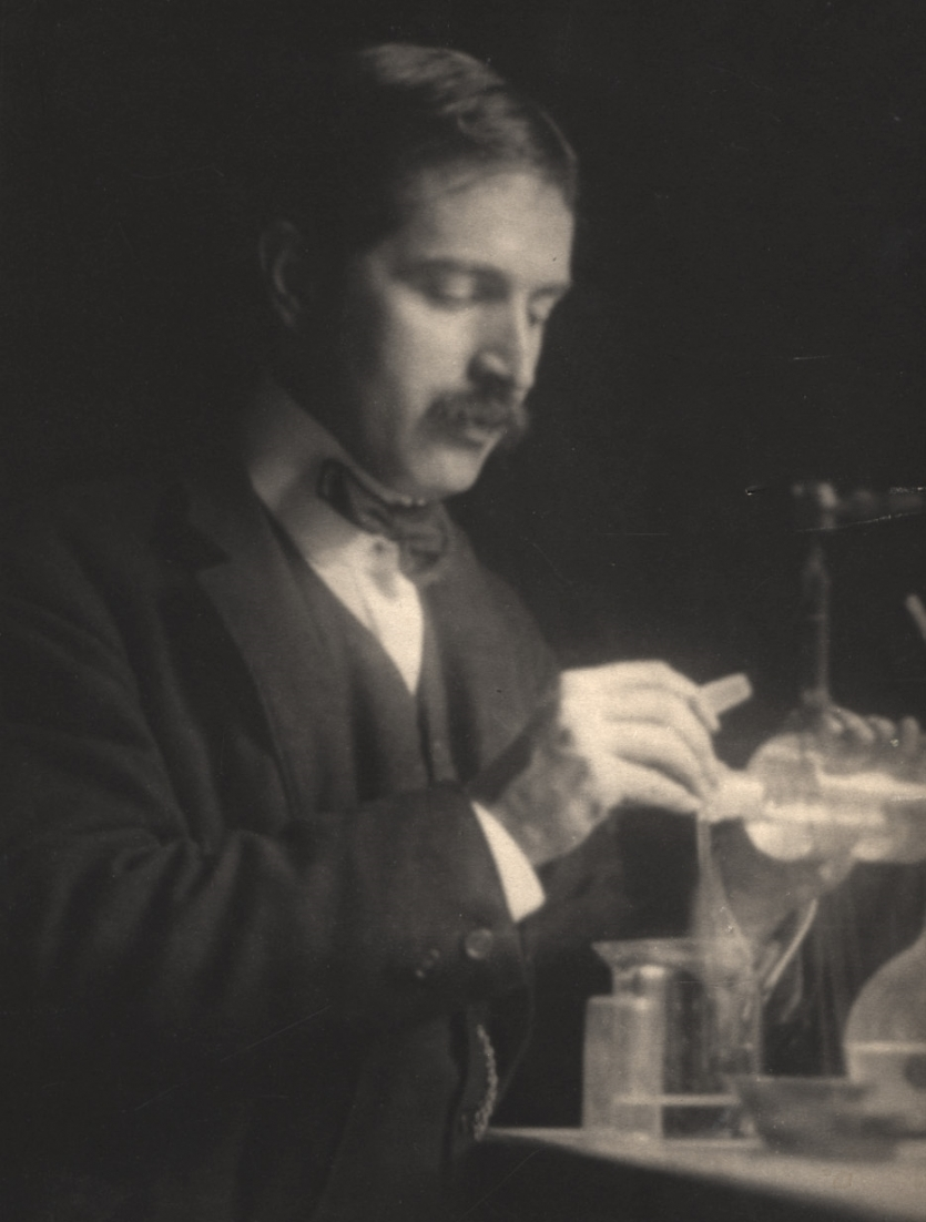Theodore W. Richards in the laboratory. Williams Haynes Portrait Collection, the Institute Collections.