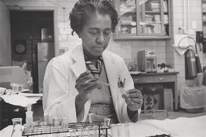Marie Maynard Daly working in her lab circa 1960