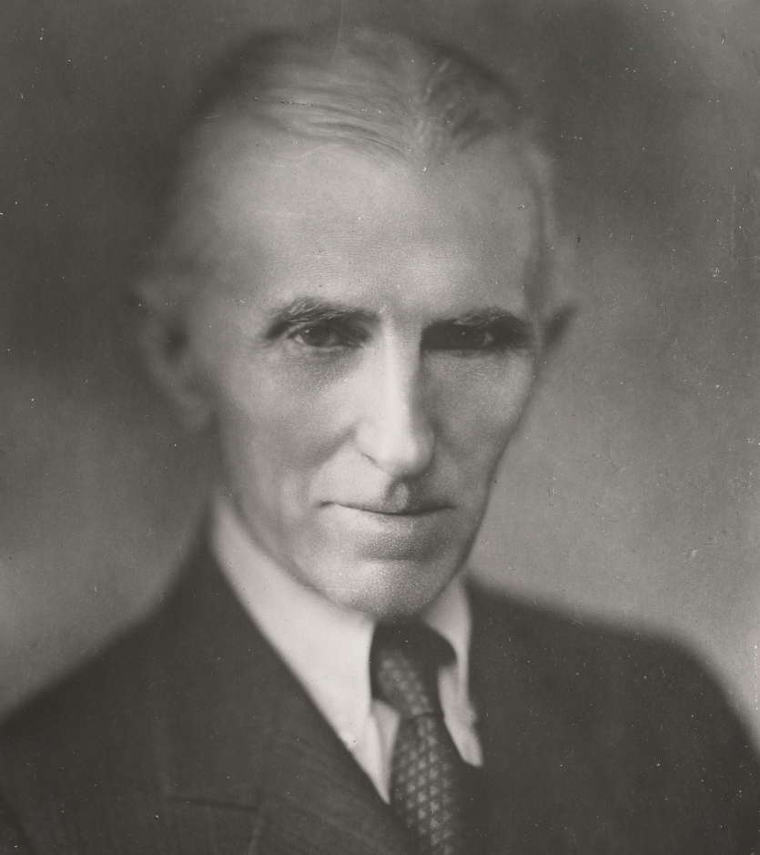 Black and white photo of elderly man